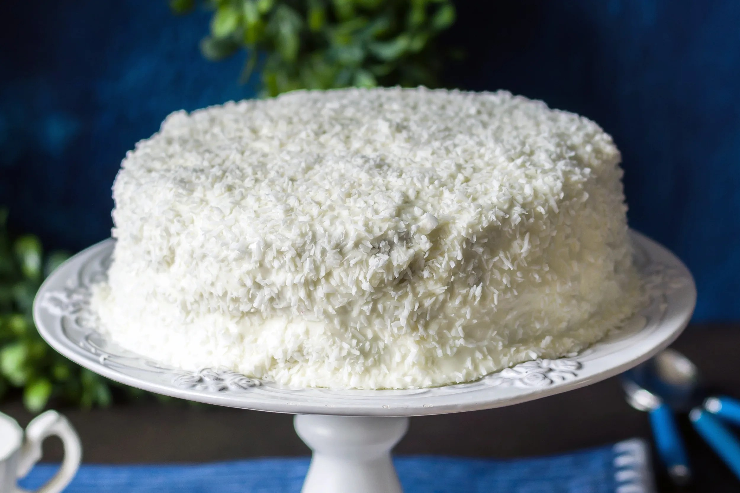 Cocos Kuchen Coconut Layer Cake