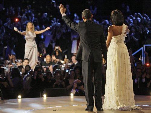 http://i0.wp.com/assets.gcstatic.com/u/apps/asset_manager/uploaded/2012/38/-barack-obama--michelle-obama-an-beyonce-1348238414-custom-0.jpg?w=678