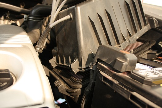Change The Air Filter On A 2000 2007 Toyota Highlander
