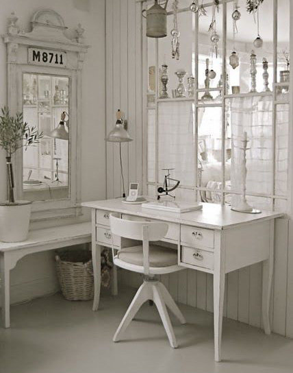 Lot 4 Chaises Blanches Bureau Shabby Chic: Inspiration Style Romantique / Shabby Chic