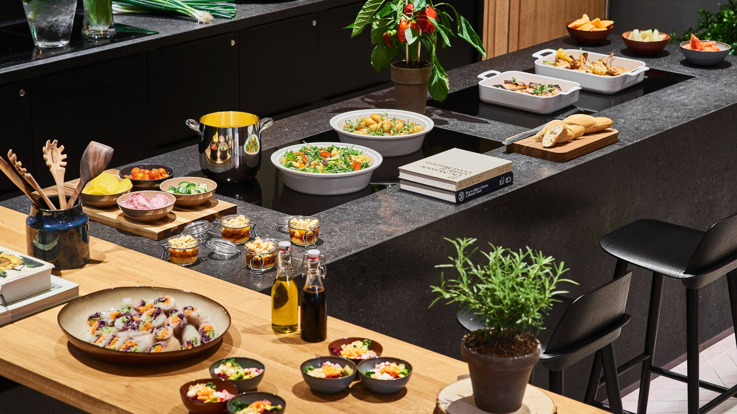 Lunchbuffet Amsterdam Meetings And In Events In Amsterdam Hyatt Regency Amsterdam