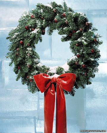 Fall Round Picnic Table Wallpaper How To Make A Wreath Martha Stewart