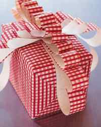 Gift Wrapping: Floppy Bow | Martha Stewart