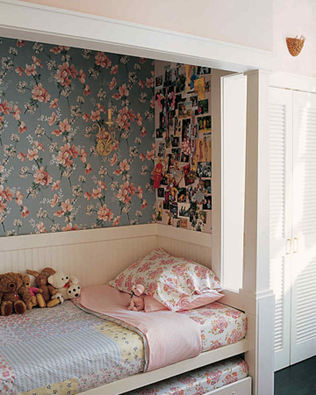 Built In Bed Nook Home Tours Of Cool Spaces For Kids Martha Stewart
