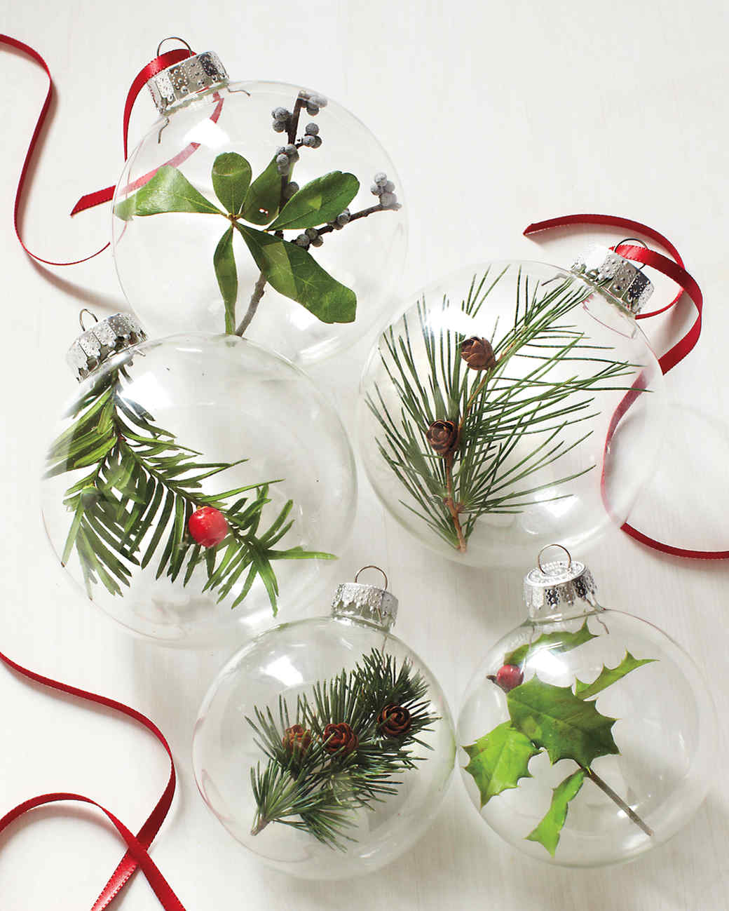 Diy Christmas Ornaments Our Most Memorable Diy Christmas Ornament Projects Martha Stewart