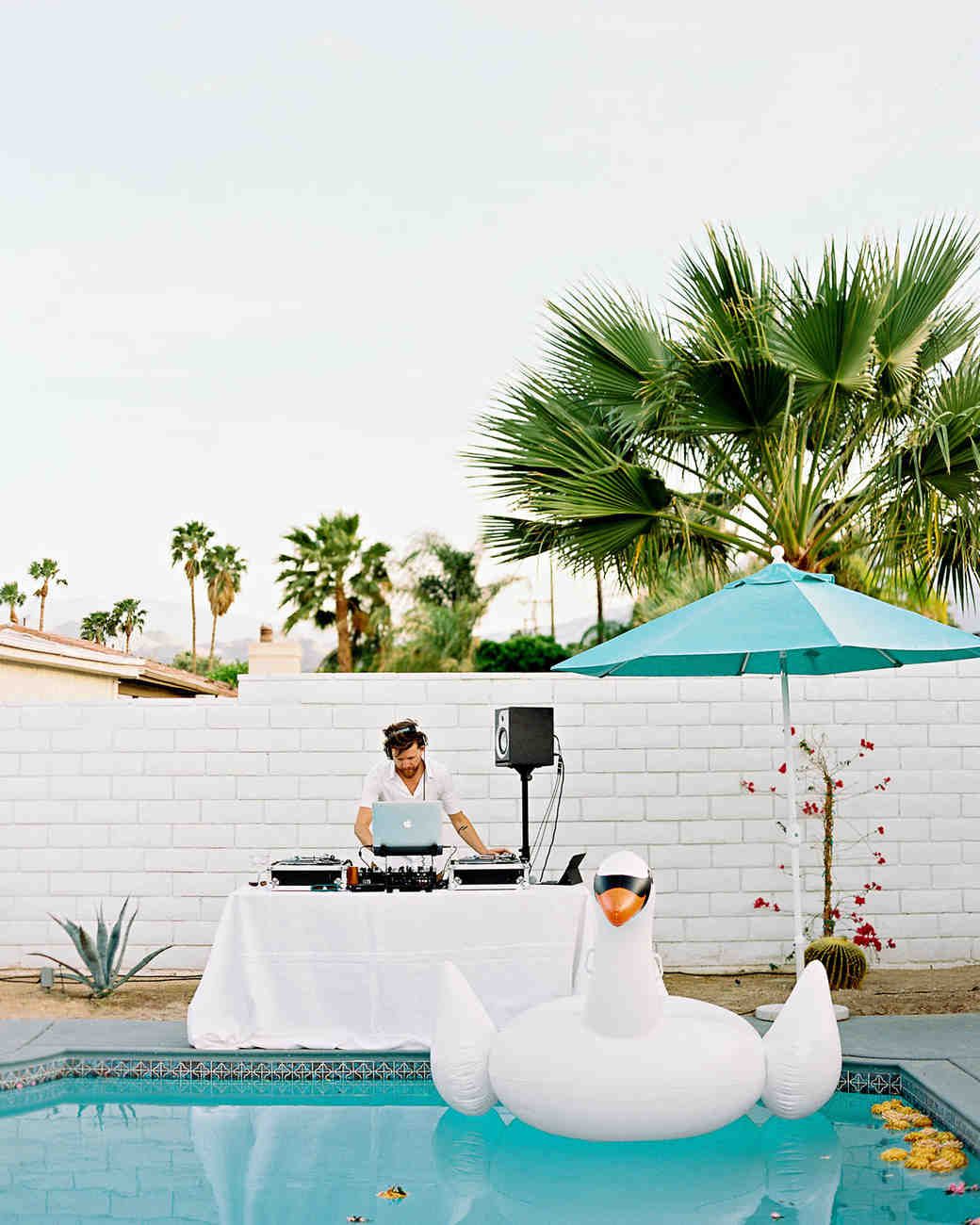 Romantic Pool Ideas 30 Fun Ideas For A Poolside Wedding Martha Stewart Weddings