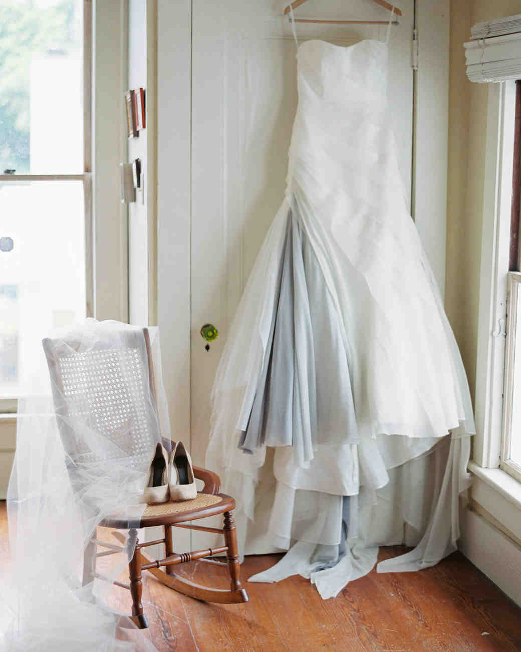 amazing cake cutting dresses your reception reception wedding dresses The Art of Traveling with Your Wedding Dress