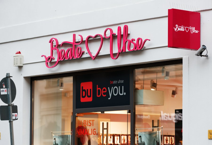 Beate Uhse Bettwäsche Pioneering German Sex Shop Chain Goes Bankrupt | New ...