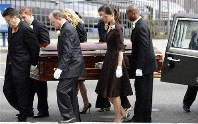 7 Things You Should Know As A Female Pallbearer