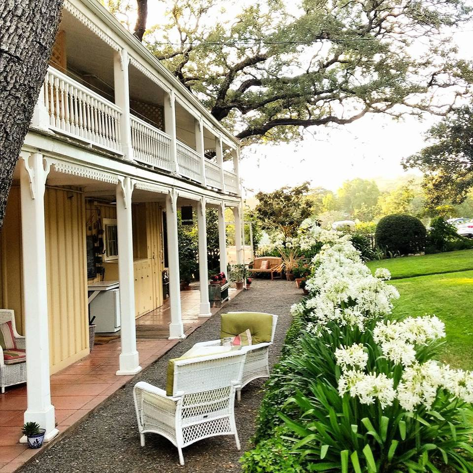 Shinn Estate Farmhouse Bed Bed And Breakfast Perks The Journiest