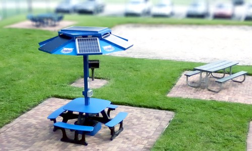 Solar Picnic Tables Power Phones And Laptops At Colleges