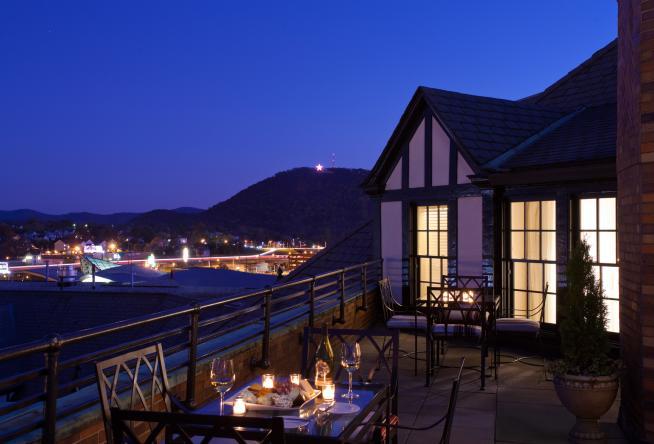 10 Luxury Suites for a Romantic Getaway to Virginia\u0027s Blue Ridge