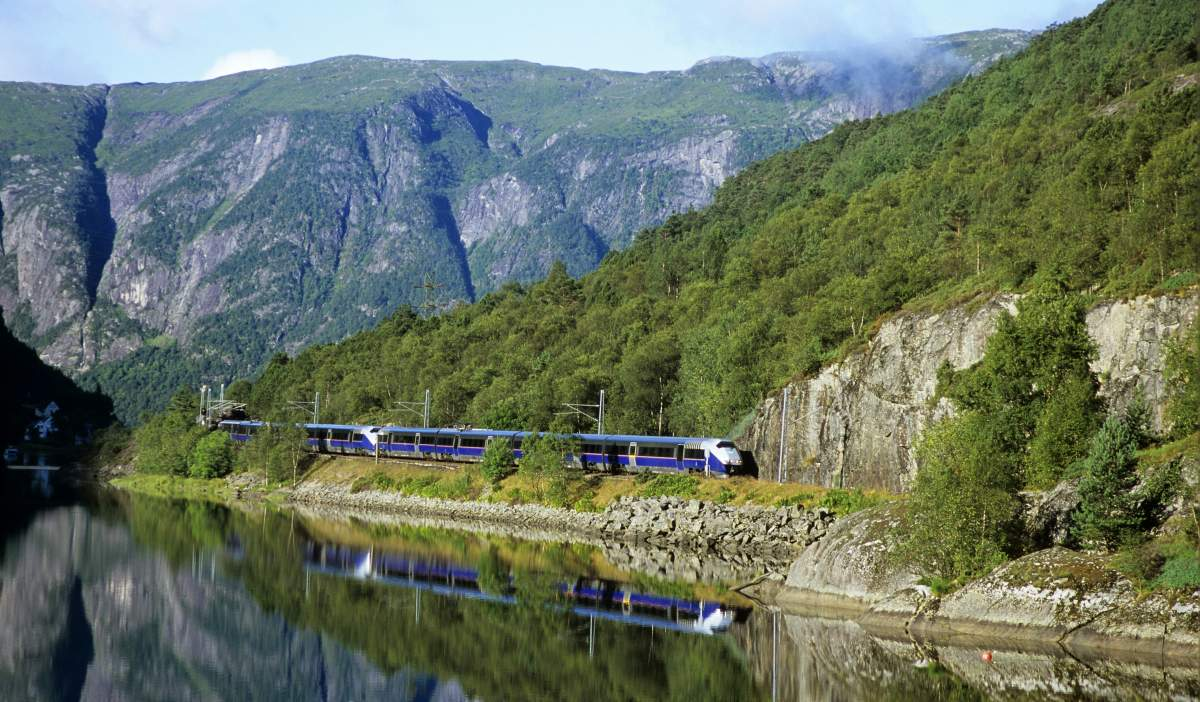 Norway Train Norwegian Train Journeys With A View Visit Norway