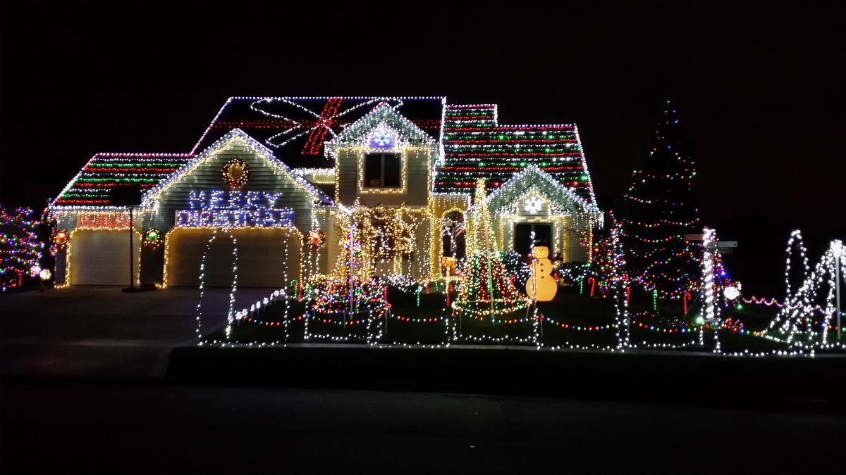 Best Place For Christmas Decorations Best Christmas Light Displays In Fort Wayne Visit Fort Wayne