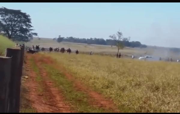 La frequenza degli attacchi contro le comunità guarani è aumentata da quando l'amministrazione uscente di Dilma Rousseff ha riconosciuto un vasto territorio alla tribù.