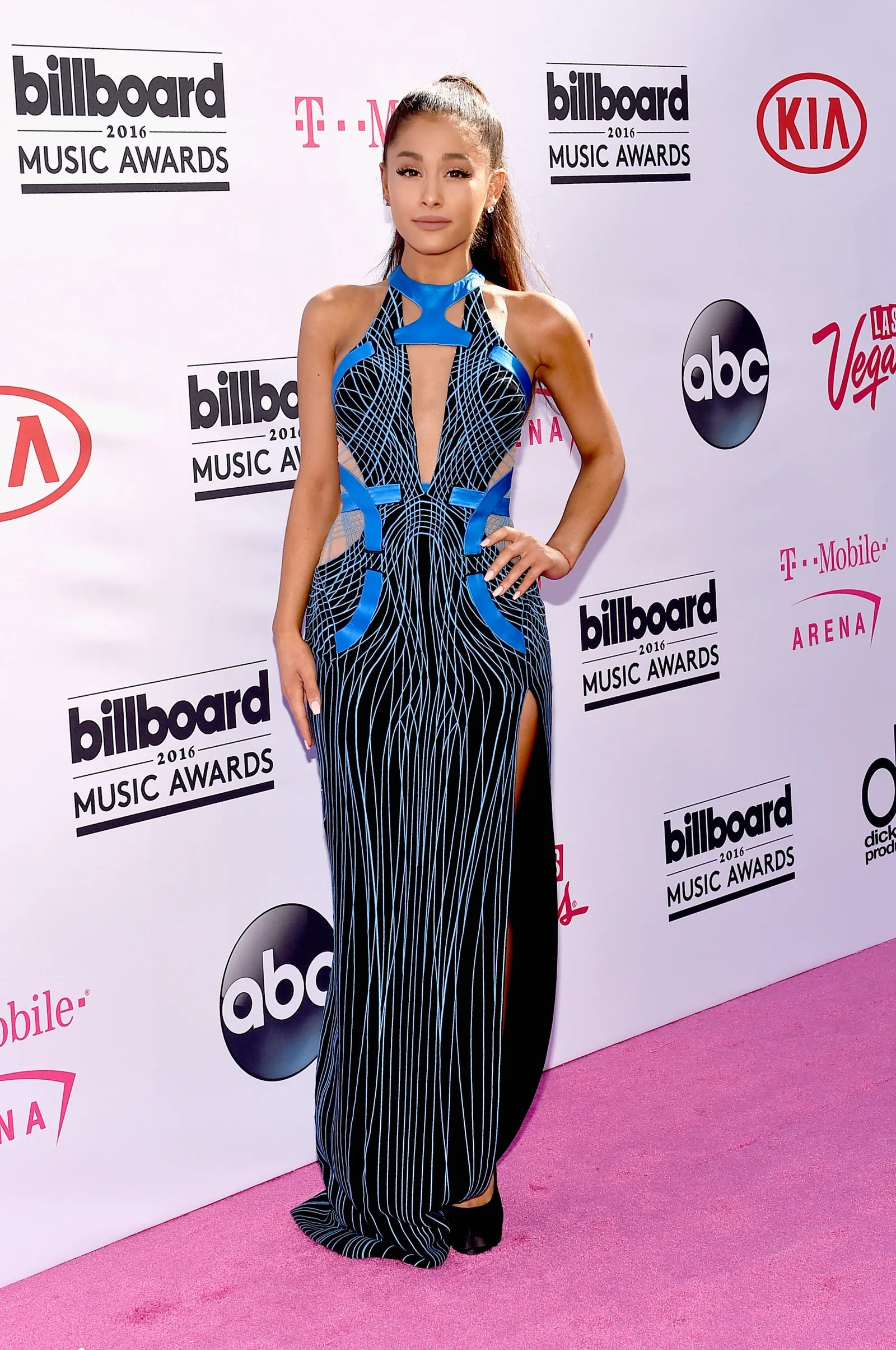 Tappeto Rosso Grande Ariana Grande S 2016 Billboard Music Awards Red Carpet Look Was
