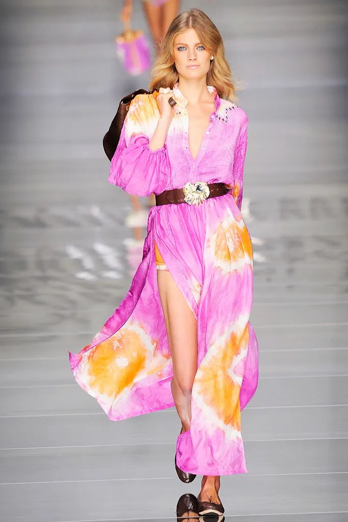 Tye And Die Blumarine Spring 2010 Ready-to-wear Collection - Vogue