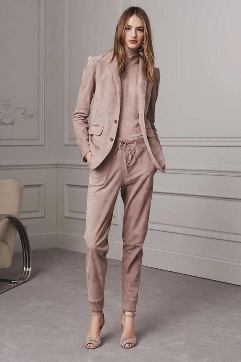 4632cd3d23d2 Ralph Lauren Resort 2019 New York Collection Vogue