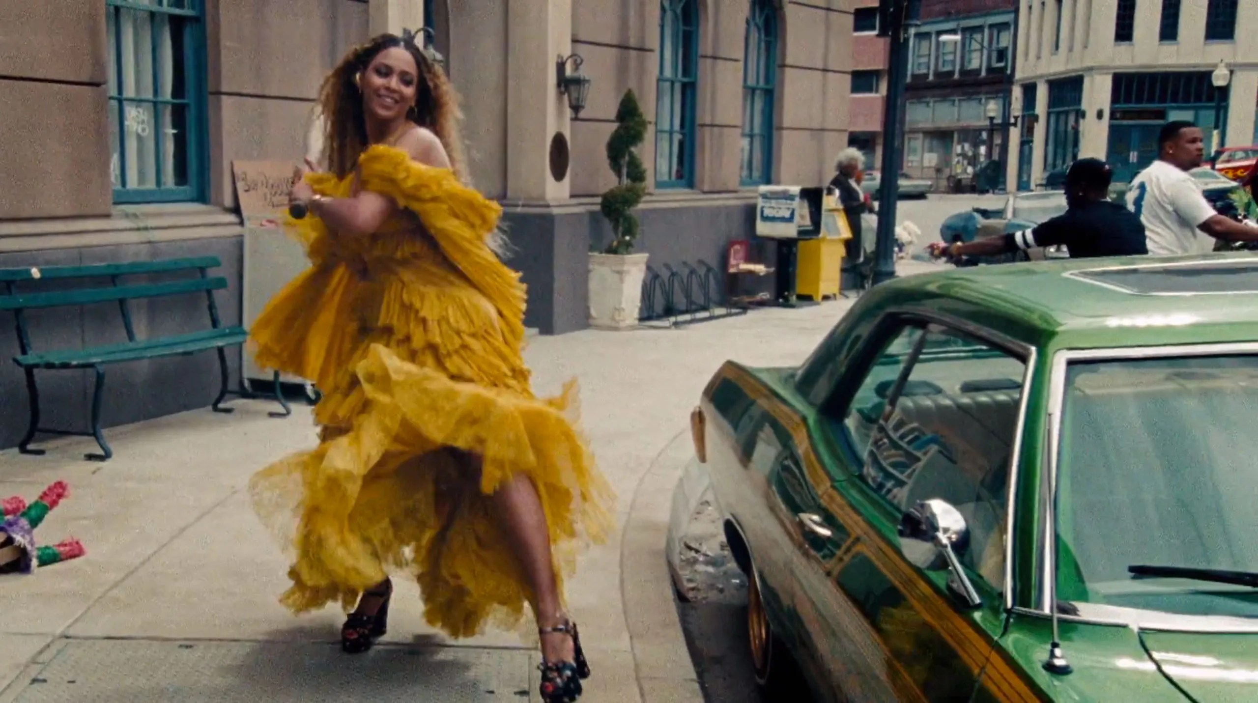 The Yellow Wallpaper Quotes About Her Husband Beyonc 233 S Most Transformative Looks From The Lemonade