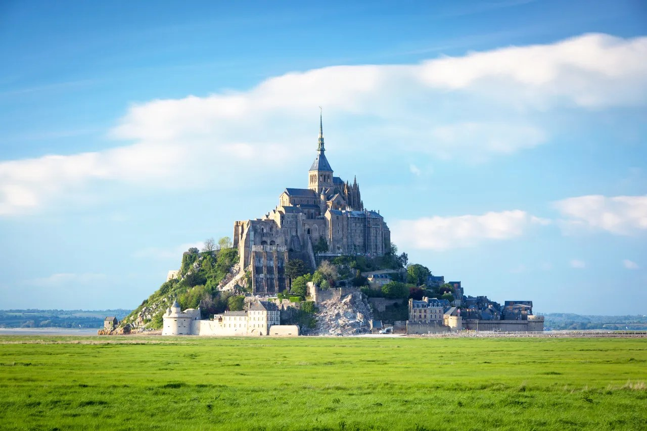 Hotel Luxe Mont Saint Michel A Travel Guide To Normandy Vogue