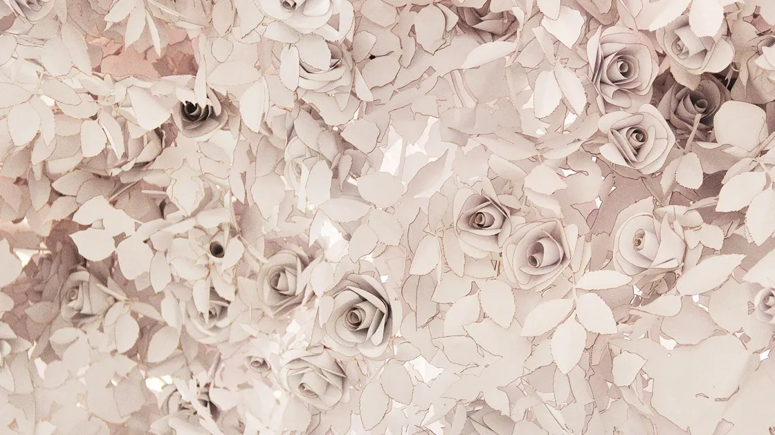 Gorgeous Fall Wallpaper Meet The Artists Behind The 40 000 Paper Flowers In Dior S