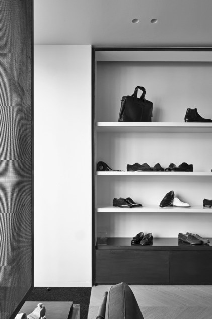 Bowen retail interior in Brussels, Belgium by Nicolas Schuybroek | Yellowtrace.