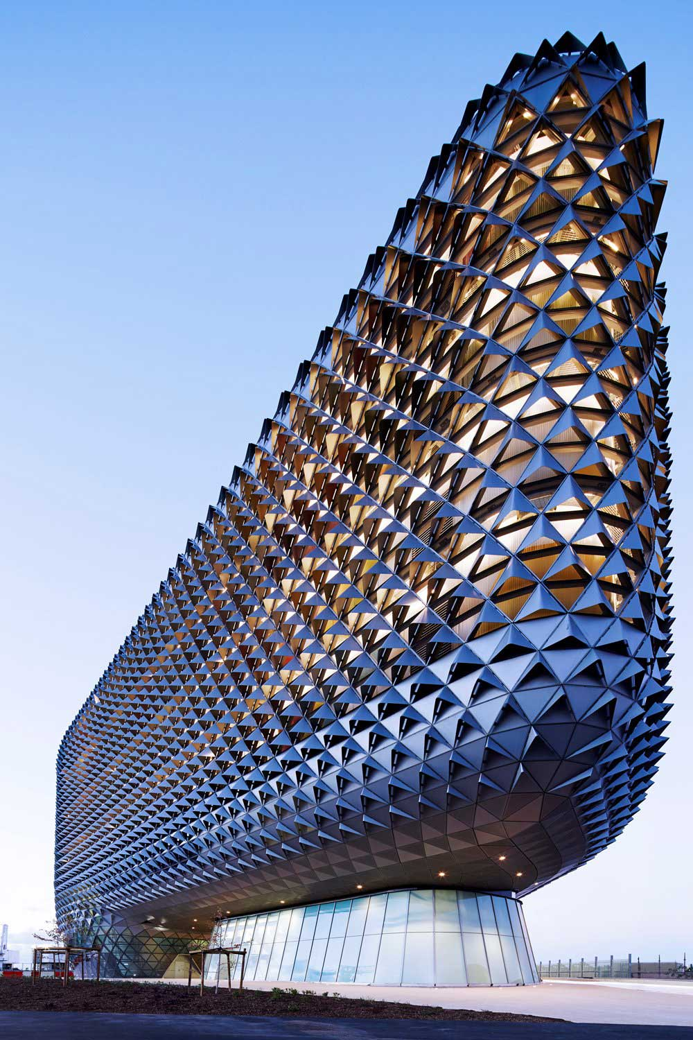 Sahmri research institute by woods bagot yellowtrace for Architecture design company in australia
