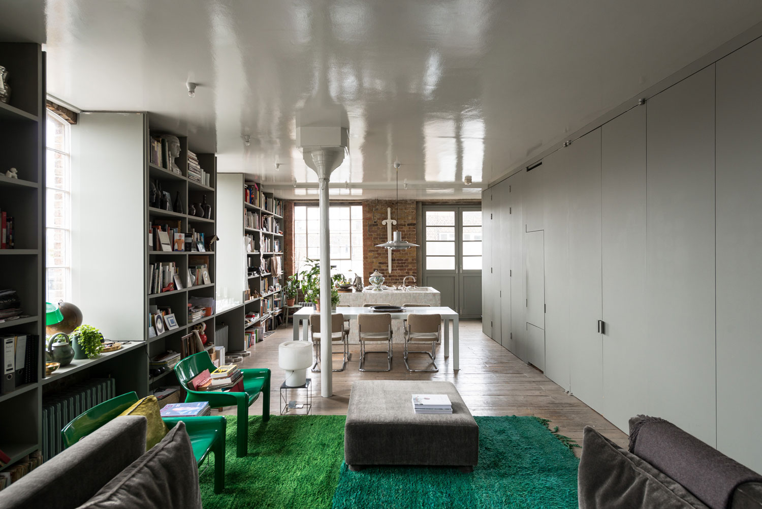 Ilse crawford 39 s victorian warehouse home in london for Interior design south london