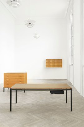 Desk by Poul Kjærholm for Carl Hansen & Son, Salone Del Mobile 2016 | #Milantrace2016