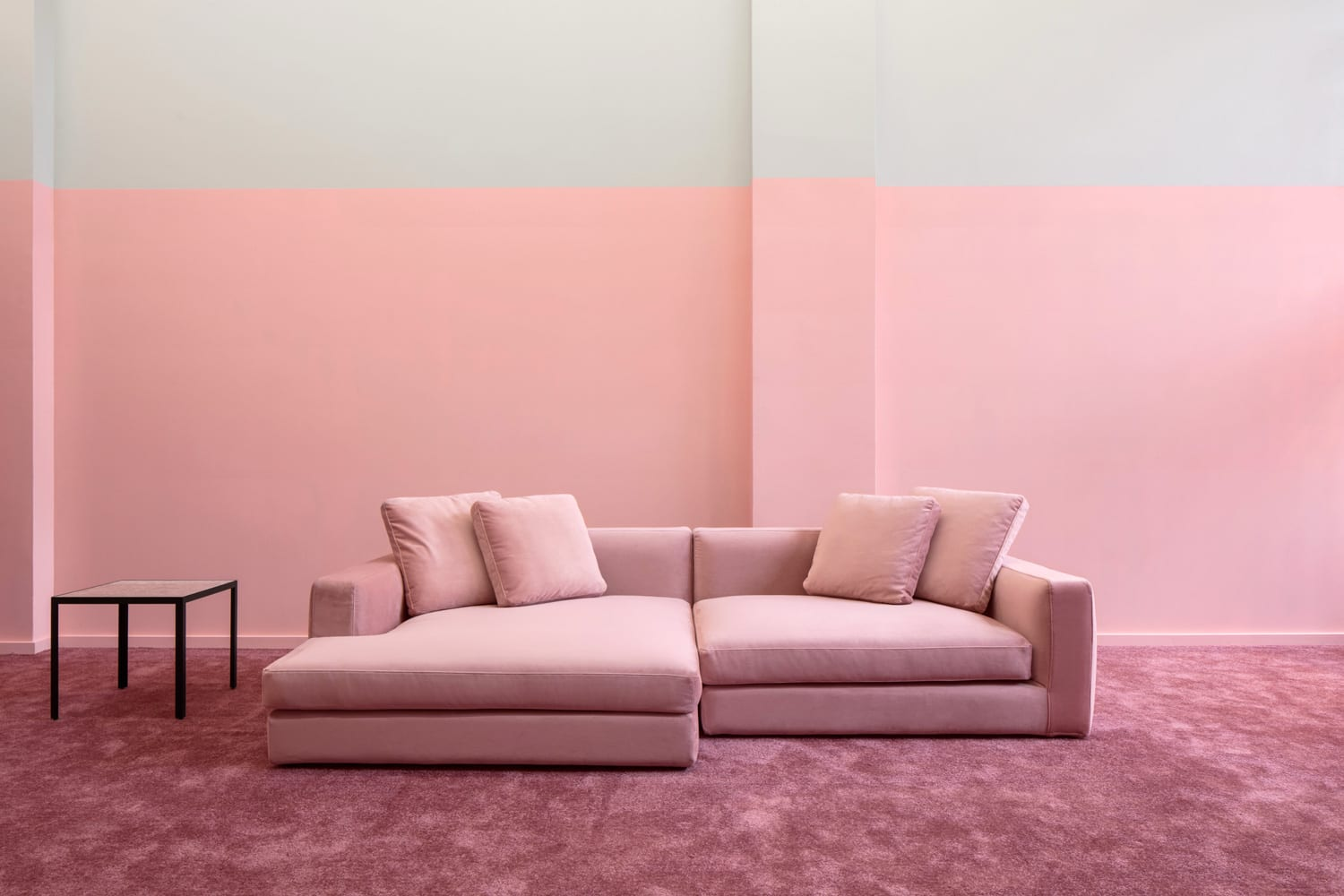 Pink Sofa Sydney élément De Base Opens A Pop Up Shop In Old Montreal Yellowtrace