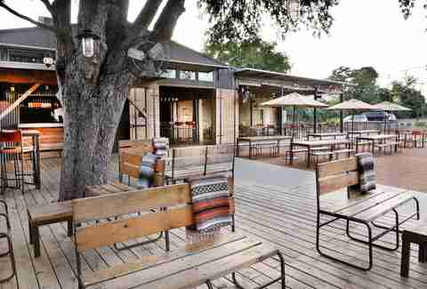 Best Outdoor Bars In Austin Tx Bars With Outdoor Seating