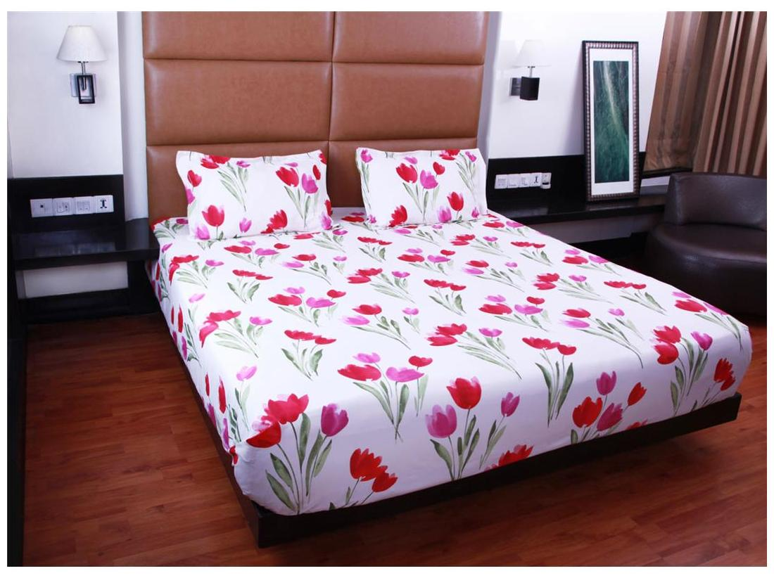 Buy Bombay Dyeing Double Bedsheet With 2 Pillow Covers