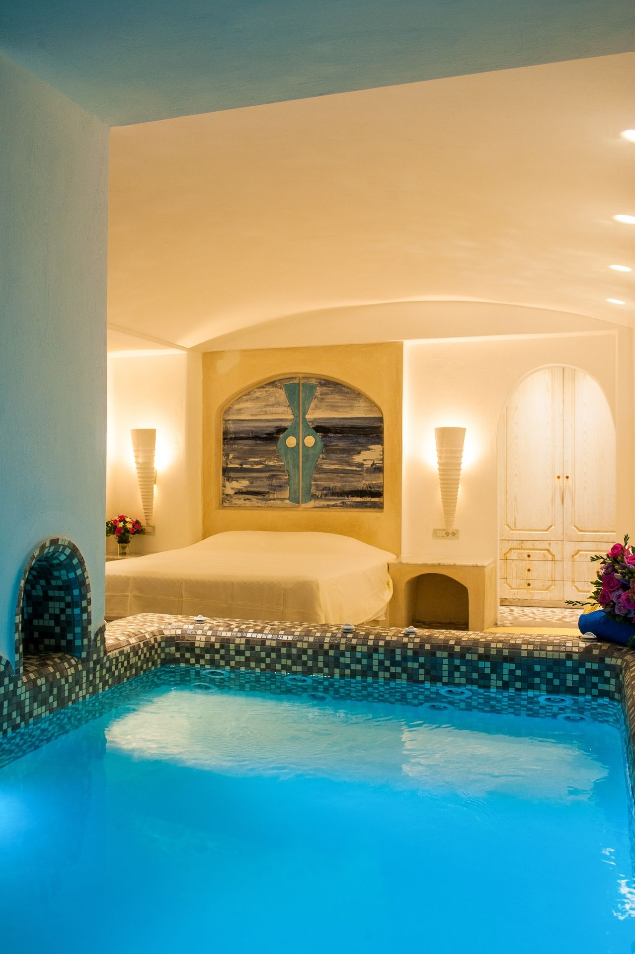 Jacuzzi Pool Hotel Room Luxury Suites With Private Infinity Pool In Santorini