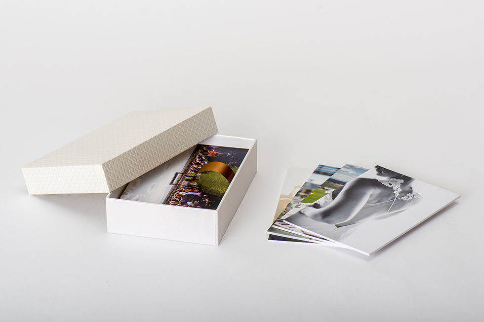 Professional Photography Gallery Boxes, Photo Prints, and Stands