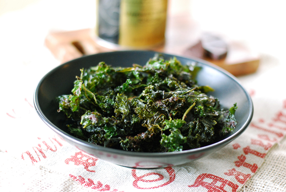 Cocoa &amp; Cayenne Dusted Kale Chips