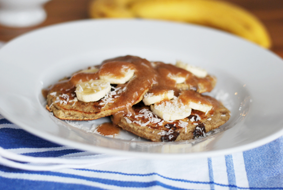 {Healthy} Banana Chocolate Chip Pancakes