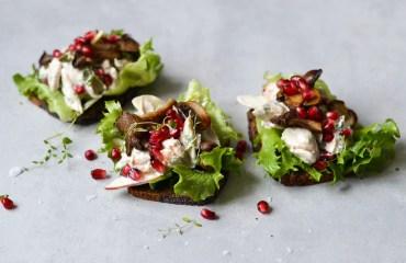 Open Face Rye Sandwich with Creamy Chicken & Apple Salad - A tasty love story