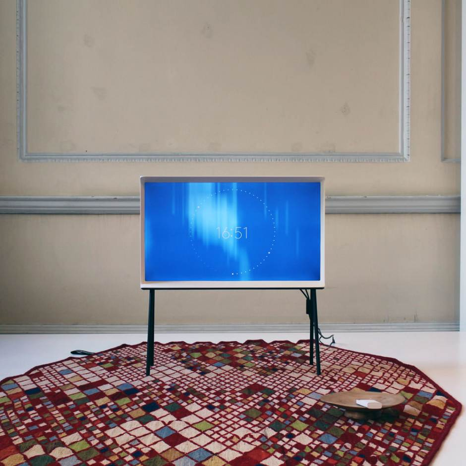 Samsung-Serif-TV-Bouroullec-001