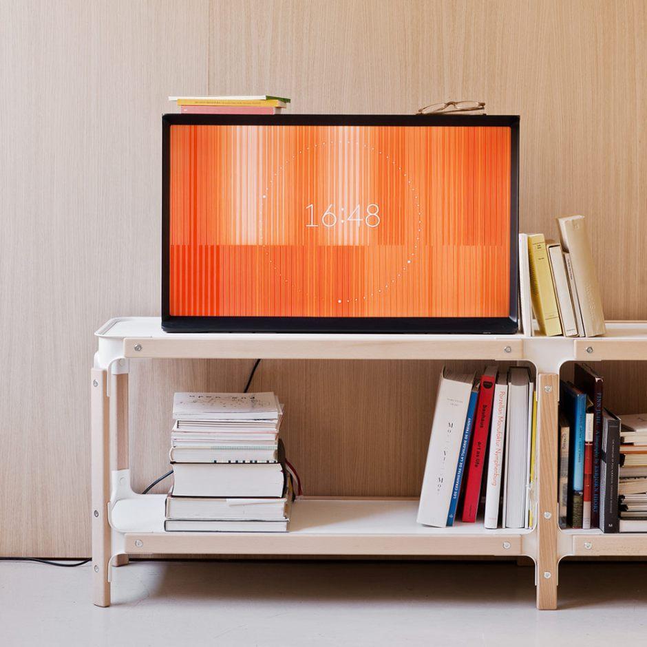 Samsung-Serif-TV-Bouroullec-008