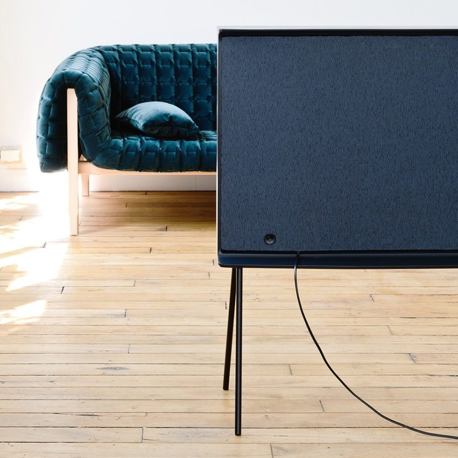 Samsung-Serif-TV-Bouroullec-009