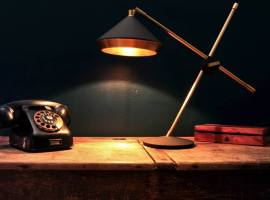 bert-frank-shear-table-lamp-001