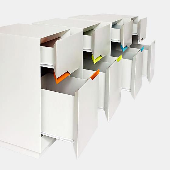 flute-office-cardboard-pedestal-001