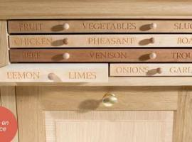 halstock-kitchen-boards