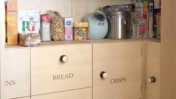 halstock-tidy-kitchen