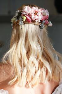 Wedding Hair Flowers: 5 Dreamy Looks from Bridal Fashion Week