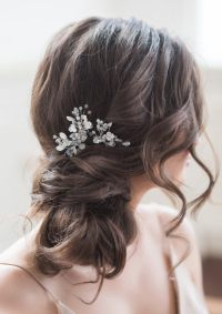 Bridal hairstyle: Wedding looks perfect for a beach ...