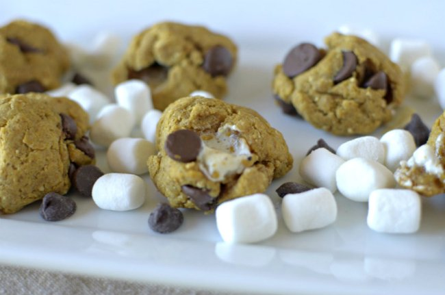 Fall and Summer get combined into these healthy gluten-free and vegan Pumpkin Spice S'mores Cookies!