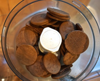 Combine the Ginger Snaps crumbs, butter and cardamom.