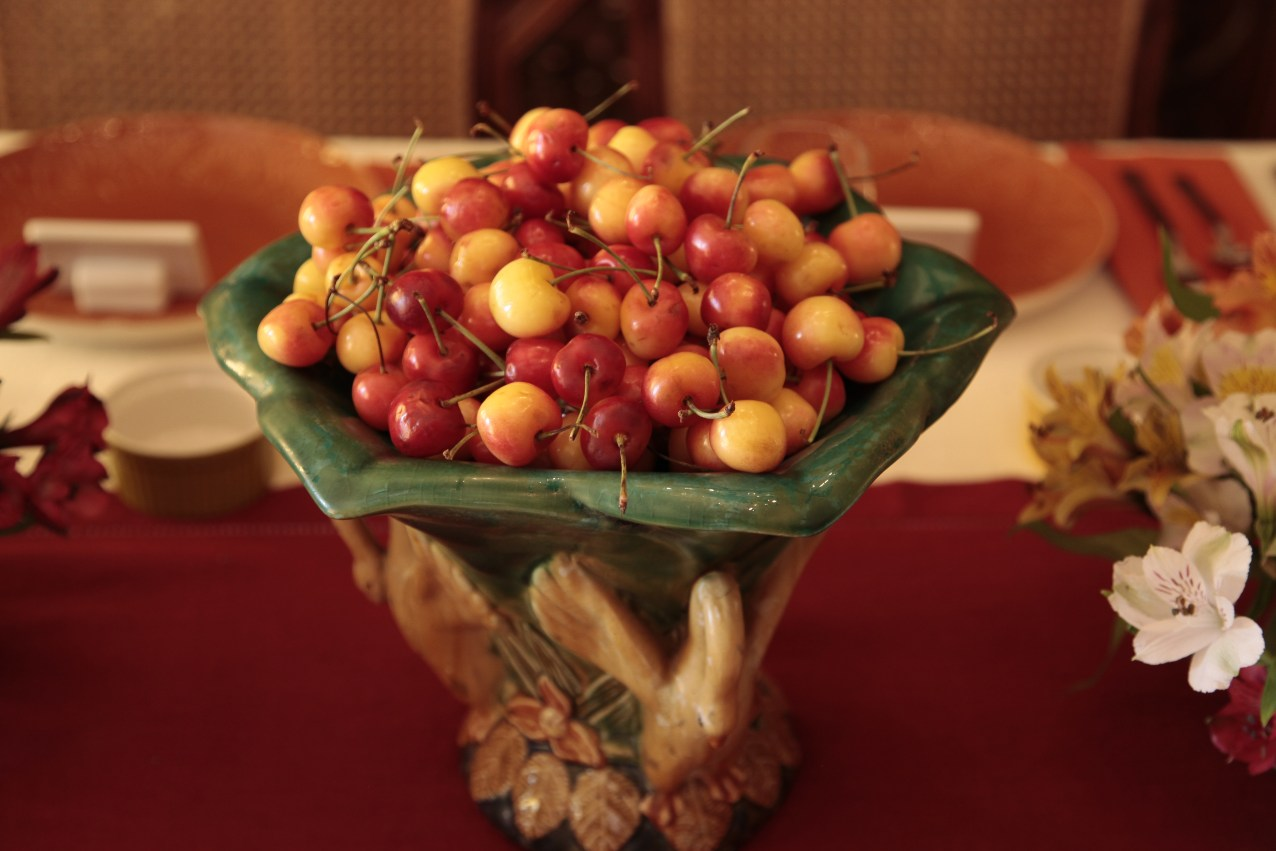 The vintage Majolica Centerpiece was perfect. I filled it with gorgeous rainier cherries.