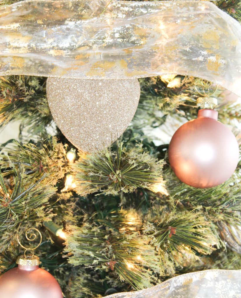 holiday-home-tour-ornaments